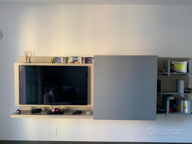 Mobile - Console TV salone con libreria