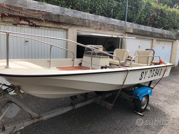 Boston Whaler compreso carrello e motore.7000 euro