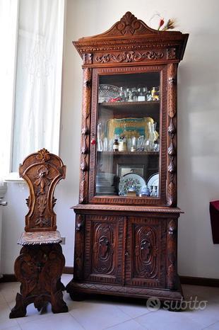 Antica vetrina+2 sedie+tavolino stile fiorentino