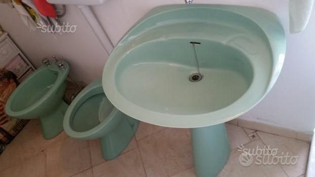 Sanitari bagno Specchi e rubinetteria