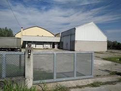 Locale Commerciale Fiume Veneto [288292]