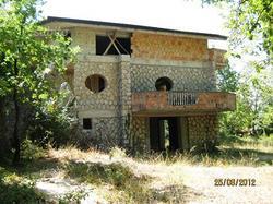 Villa in pietra mq 300