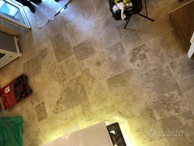 Pavimento in pietra fior di chianca