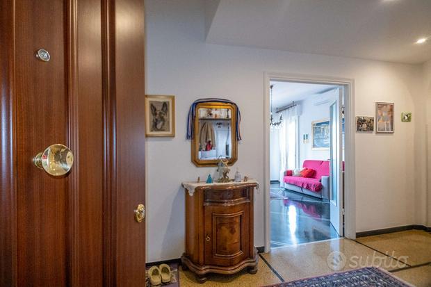 Appartamento con balconi vista aperta