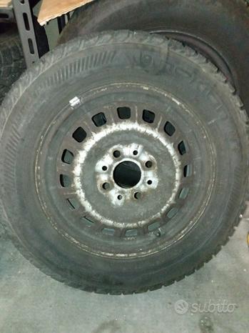Cerchi 13 con gomme invernali Fiat 600