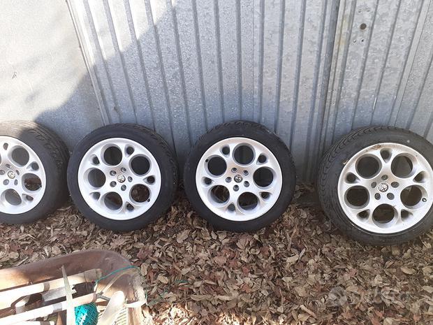 Cerchi in lega più pneumatici 225 45 17