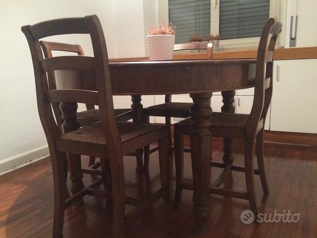 Tavolo rotondo di legno