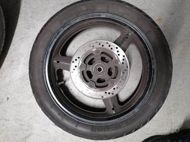 Cerchio posteriore Suzuki Inazuma 250