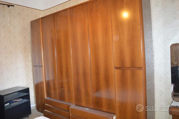 Camera matrimoniale in legno