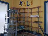 Arredo completo per negozi scaffali bancone mobili
