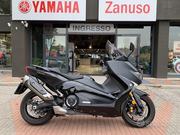 Yamaha T Max 530 DX pochissimi chilometri 2018