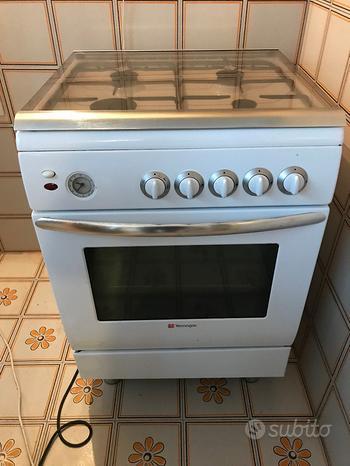 Cucina a gas e frigorifero