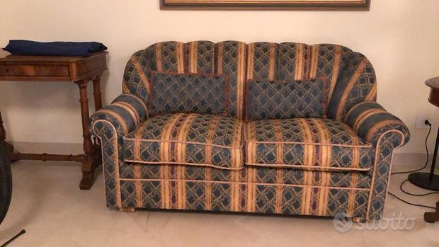 Coppia di divani (uno è divano letto)