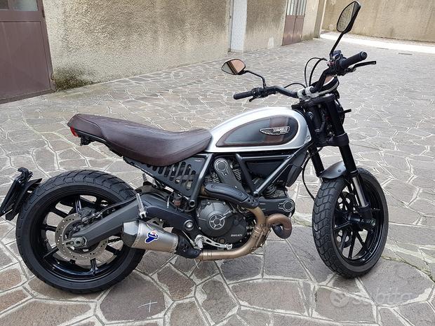 Ducati Scrambler Icon 800 Termignoni Rizoma Carbon