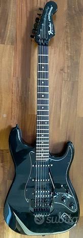 Chitarra tipo Fender Stratocaster