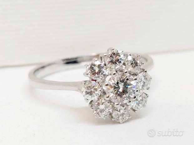 Anello a Fiore con Diamanti 0,93ct in Oro 18kt