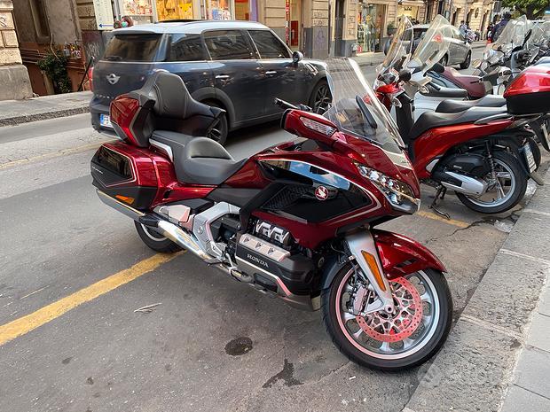 Honda Goldwing Gl1800 dct tour km 2900