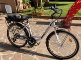 Bicicletta elettrica Momo design NUOVA