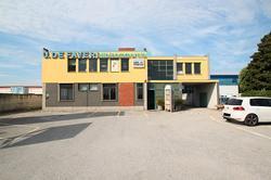Ronchi - Capannone con uffici e magazzino U48