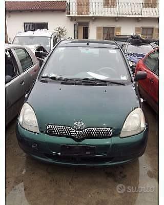 Toyota Yaris Prima Serie RICAMBI USATI