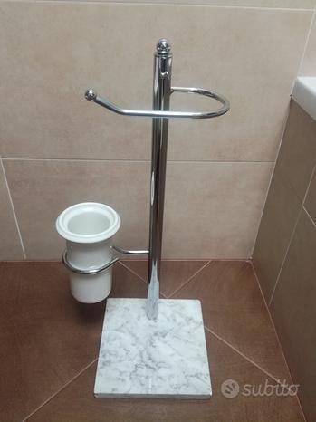 Porta carta igienica e scopino da bagno
