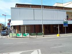 LI509 Lignano Sabbiadoro, negozio vetrinato