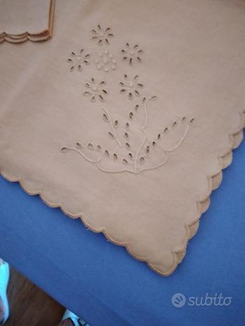 Tovaglia con tovaglioli da 12 di lino inglese
