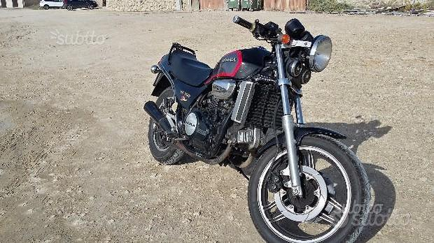 Honda VF 750 moto d'epoca - 1985