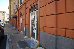 Negozio a Genova, via degli Operai, 2 locali