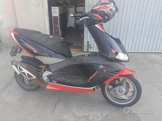 Scooter Aprilia Area51